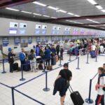 Онгоцны буудал дээр ОХИНОО орхиод гэр бүлээрээ аяллаар нисчээ